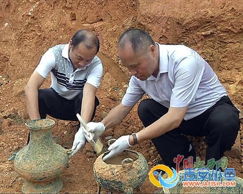吉水村民建房 挖出6件青铜器